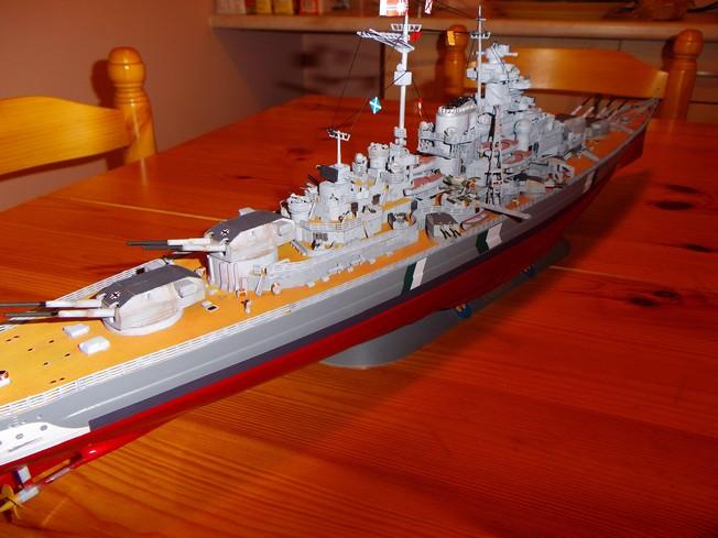 "Battleship ""BISMARCK"" 1/350 Revell - Page 2 8-3cd2cfc"